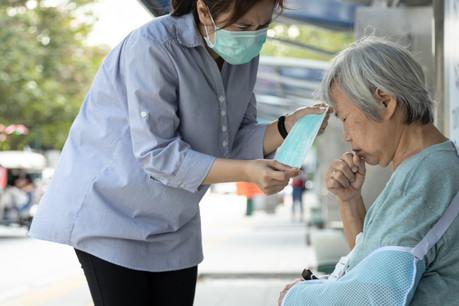 La pandémie, partie d'Asie, va se répandre à grande vitesse à travers la planète entière. (Photo: Shutterstock)