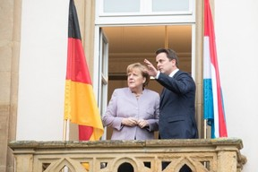 Angela Merkel fait un arrêt à la maison natale de Robert Schuman avec le Premier ministre (DP) Xavier Bettel, lors de sa visite officielle au Luxembourg le 17 janvier 2017. ((Photo: SIP))