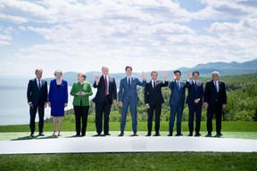 Le 8 juin 2018, Angela Merkel et la Première ministre britannique Theresa May sont les deux seules femmes à figurer sur la photo de famille du G7, aux côtés notamment de Jean-Claude Juncker.  ((Photo: EU))