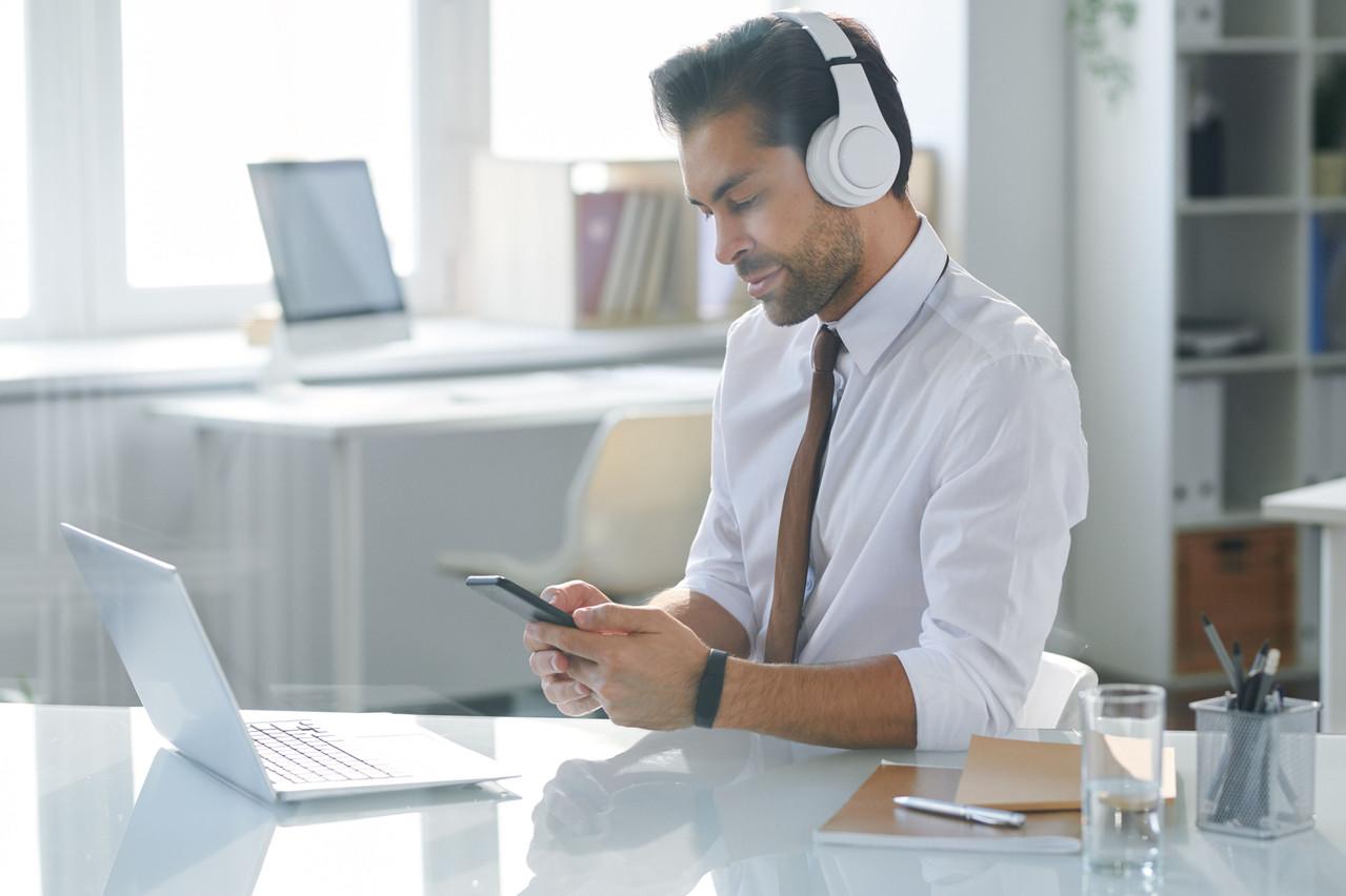 Une bonne idée pendant le confinement: acheter et vendre des droits musicaux sur la future plate-forme d'ANote Music sans prendre aucun risque réel. Pour permettre à la start-up de faire progresser son produit, prêt à être lancé. (Photo: Shutterstock)