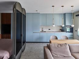 La cuisine est traitée dans des tonalités douces pour une intégration harmonieuse dans la pièce à vivre. ((Photo: Eric Chenal))