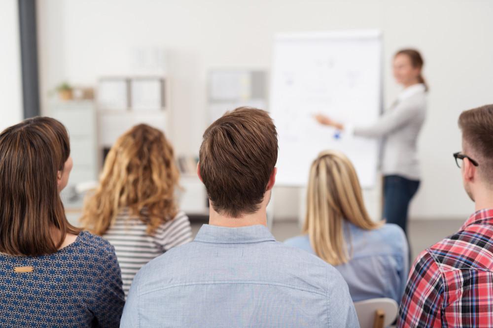 Le programme Impuls propose des formations collectives, de l'accompagnement individuel, des outils et des conseils d'experts, des échanges avec des entrepreneurs établis, ainsi que de la mise en réseau avec des acteurs de l'écosystème entrepreneurial. (Photo: Shutterstock)