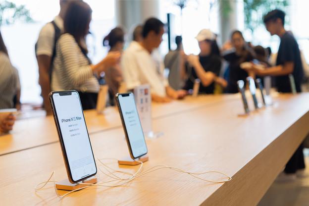 Apple, dont le chiffre d'affaires s'est longtemps reposé sur l'iPhone, continue d'exploiter de nouveaux relais de croissance. (Photo: Shutterstock)