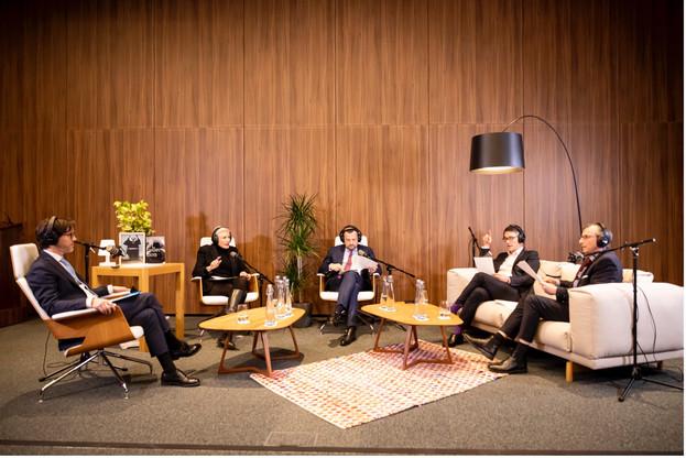 C'est au sein de l'auditorium d'Arendt House que s'est déroulé le troisième épisode du podcast Arendt We Live, le 21 janvier 2021.  (Photo: Julien Pierrot / Maison Moderne)