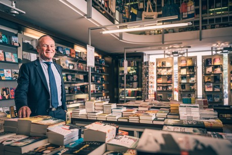 Fernand Ernster: «Je préfère les beaux livres et lire les ouvrages avec une couverture rigide comme ceux des éditeurs allemands.» (Photo: Edouard Olszweski)
