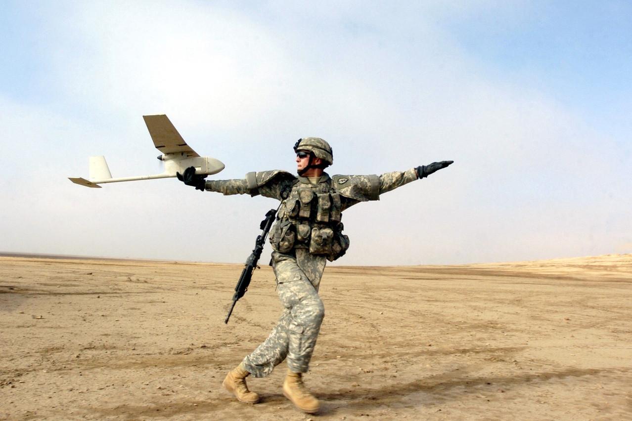 Un RQ-11 Raven de l'armée américaine, du même type que ceux qu'utilise l'armée luxembourgeoise. Uniquement pour des opérations de reconnaissance, dit le ministre. (Photo: Wikimedia Commons)