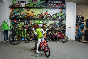 L'entreprise a choisi de travailler avec des vélos légers de la marque Frog, adaptés à la morphologie des enfants. ((Photo: Nader Ghavami))