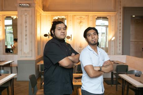 Gerson Atalaya (à gauche) et Jersson Olivares (à droite) sont les 2 jeunes talents responsables de la carte du Kay, au Casino Luxembourg. (Photo: Matic Zorman/Maison Moderne)
