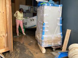 Surélever, nettoyer, faire sécher… et ne pas perdre courage. ((Photo: Martine Feipel & Jean Bechameil))