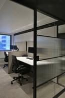 Les collaborateurs travaillent dans des bureaux partagés. ((photo: Serge Brison))