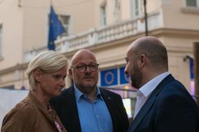 Au centre, Marc Angel et Étienne Schneider (LSAP) ((Photo: Matic Zorman))