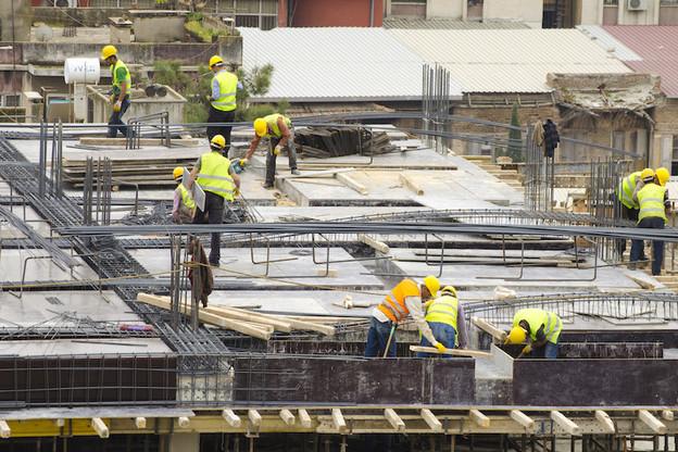 Le LCGB constate «une nette propension aux heures supplémentaires soutenue par une certaine volonté des salariés de rattraper d'éventuels retards en travaillant plus qu'habituellement». (Photo: Shutterstock)