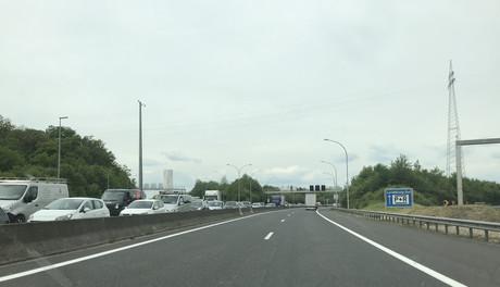 L'Administration des ponts et chaussées annonce qu'elle procédera au barrage de l'autoroute A3 entre la Croix de Gasperich et la Croix de Bettembourg à partir de ce vendredi vers 20h jusqu'à lundi 28 octobre vers 6h. (Photo: Paperjam)