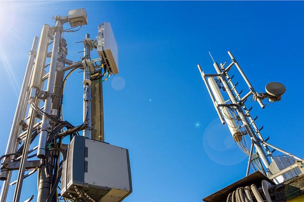 Sans attendre les enchères, les opérateurs luxembourgeois ont parfois installé des antennes multibandes, qui leur ont permis d'obtenir une autorisation. D'autres devront passer par la procédure «commodo». (Photo: Shutterstock)