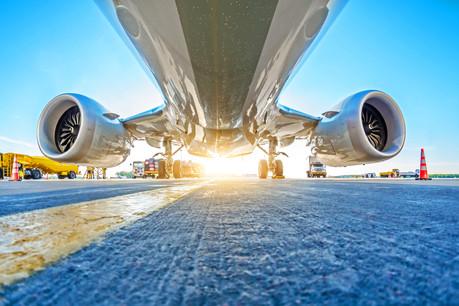 L'UE promet des mesures provisoires pour éviter de faire voler des avions sans passagers. (Photo: Shutterstock)