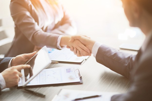30% des clients confient avoir réellement besoin d'aide et d'interaction humaine de la part de leur banque, dans une étude réalisée par Accenture. (Photo: Shutterstock)