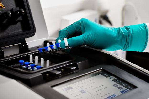Eurofins est spécialisée dans l'analyse et les tests. La pandémie de Covid-19 a contribué à sa forte croissance ces derniers mois. (Photo: EuropeanCommission)