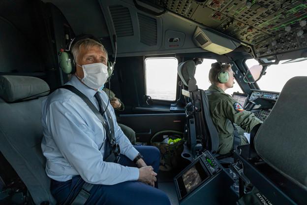 François Bausch a pris part à un vol de démonstration de l'A400M, fruit d'une autre collaboration belgo-luxembourgeoise en matière militaire. (Photo: Kristof Moens/GraphX)