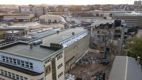 Les travaux de démolition permettent de retrouver la façade côté cour. ((Photo: A. Weidert))