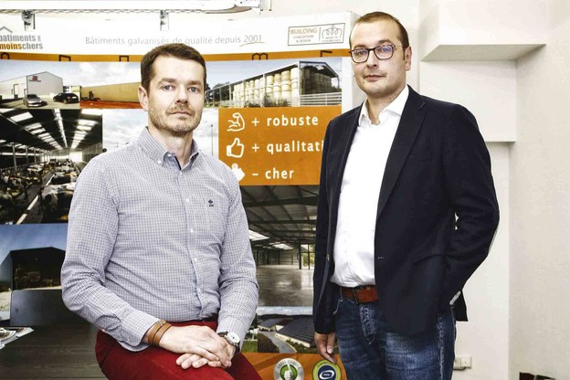 Dominique et Vincent Lyonnet ont développé un modèle original de vente de hangars métalliques. (Photo: Olivier Minaire)