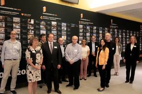 Les membres du jury, avec l'aide de l'équipe de l'OAI, se sont regroupés lundi 6 juillet pour sélectionner les lauréats et nominés duBauhärepräis OAI2020. ((Photo: Matic Zorman / Maison Moderne))