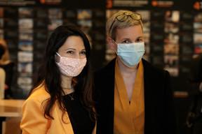 Semiray Ahmedova, coprésidente du jury du Bauhärepräis OAI 2020 et Sam Tanson (ministère de la Culture) ((Photo:Matic Zorman / Maison Moderne))