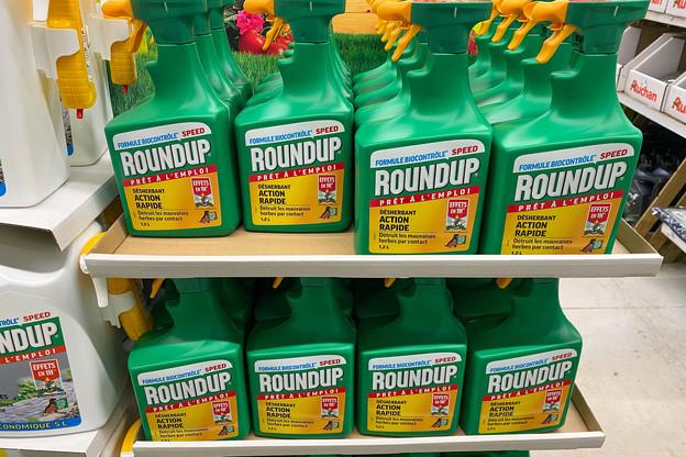 Bayer dédommage les plaignants, mais ne compte pas supprimer la vente du glyphosate. (Photo: Shutterstock)