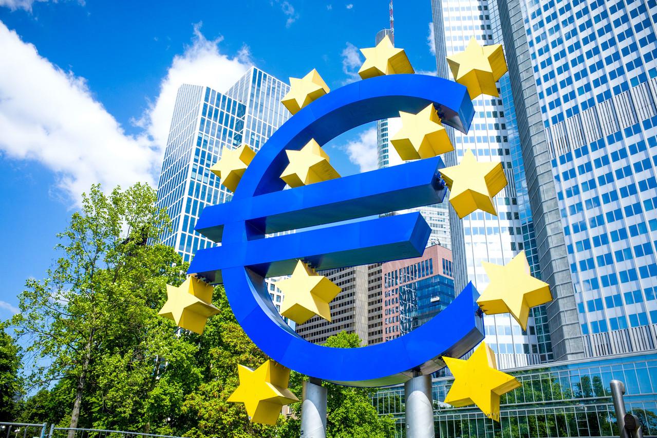 Et si la sortie de crise présentait plus de risques que la récession historique provoquée par la pandémie? C'est le scénario sur lequel alerte la Banque centrale européenne. (Photo: Shutterstock)