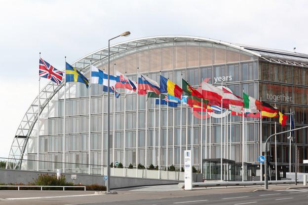 «La BEI mettra fin au financement des projets liés aux énergies fossiles à partir de la fin de 2021. Le financement futur accélérera l'innovation en matière d'énergie propre, l'efficacité énergétique et les énergies renouvelables», a annoncé la Banque européenne d'investissement, dont le siège est à Luxembourg. (Photo: Shutterstock)