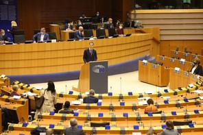 C'est au sein de l'hémicycle européen que le nouveau Premier ministre a présenté sa déclaration gouvernementale. (Photo: Twitter)