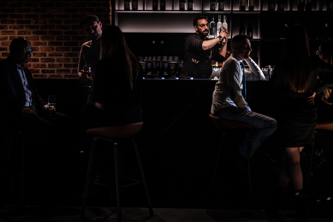En soirée, le bar à vins Nyx propose également quelques cocktails maison bien secoués… © Pieter D'Hoop - www.pdsign.be