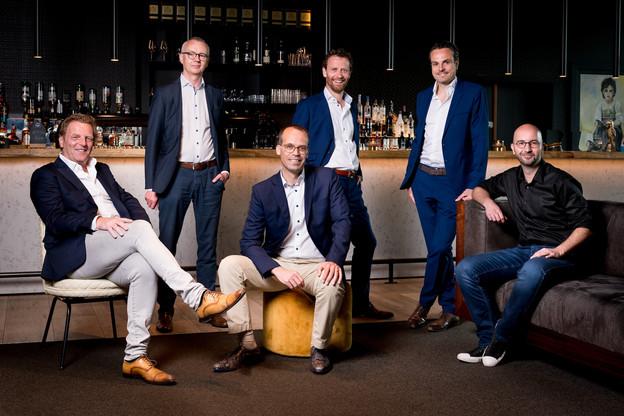 De gauche à droite:Paul Corbeel, Dirk Slabbinck, Gilles Christnach, Alain Bossaer, Karel Verhaeghe, David Determe. (Photo: Marie De Decker)