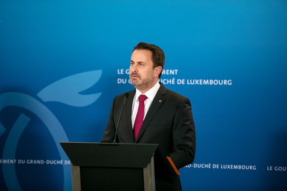 Prime minister Xavier Bettel said on Wednesday that there are enough vaccines for those that want them and outlined plans to set up vaccination facilities in shopping centres and allow occupational physicians in big companies to administer the jab.  Photo: Romain Gamba/Maison Moderne/Archives