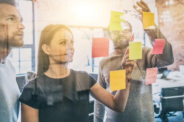 Être à l'écoute des salariés: un ingrédient-clé pour que la recette d'une entreprise fonctionne. (Crédit: Shutterstock)