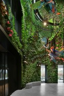 Patrick Blanc a réalisé un impressionnant mur végétal au cœur du bâtiment. ((Photo: SergeBrison))