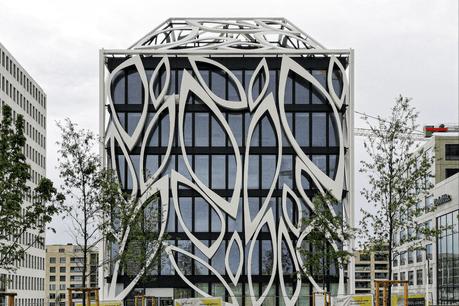 L'immeuble dessiné par Valentiny hvp Architects sera occupé par son premier locataire dès cet automne. (Photo: José Carsi/Maison Moderne)