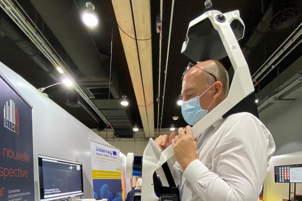 Son scanner-harnais développé par les Allemands de NavVis permet à Jean-Yves Marié de scanner plus vite les bâtiments de ses clients. (Photo: Paperjam)