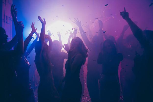 On va pouvoir danser, mais pas encore jusqu'au bout de la nuit. (Photo: Shutterstock)