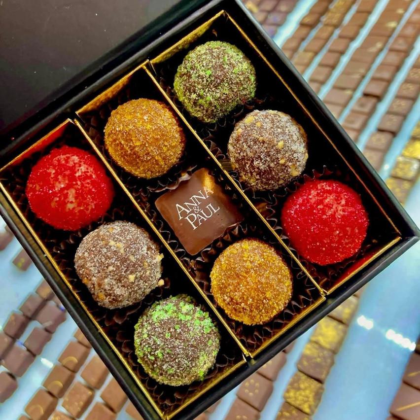 Le glacier-chocolatier luxembourgeois Anna & Paul propose un assortiment limité à déguster tout seul aussi, sans scrupules! (Photo: Anna & Paul)