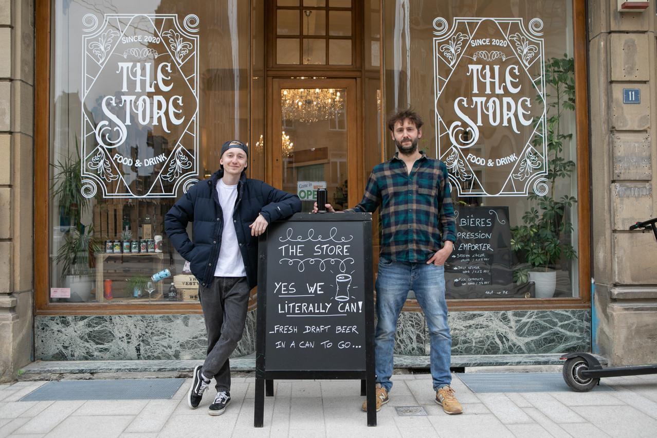 Damien et Max accueillent leurs clients du jeudi au samedi à The Store, avenue de la Liberté, dans le quartier Gare. (Photo: Matic Zorman / Maison Moderne)