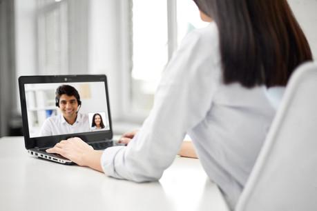 Les gestionnaires de fonds ont rapidement adopté des outils plus modernes pour garder le contact avec leurs clients. (Photo: Shutterstock)