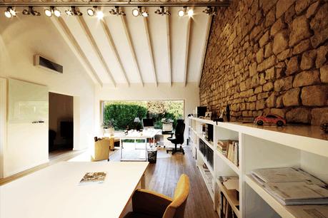 Installer un bureau à la maison demande un aménagement un peu spécifique. (Photo: Steve Troes pour Beng)