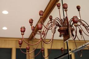 L'architecte Rodolphe Mertens et les artisans-compagnons du devoir ont travaillé d'arrache-pied pour rendre sa superbe à la Brasserie Guillaume. ((Photo: Matic Zorman/Maison Moderne))