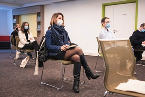 Eva Jutel (Positive Thinking Company), Virginie Carvalho (Ideabox) et Mathieu Triquoit (Miind) ((Photo: Simon Verjus/Maison Moderne))