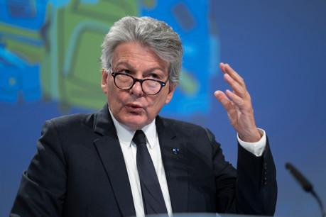 Le commissaire européen au Marché intérieur, ThierryBreton, a fait deux annonces qui évoquent des satellites: la première prévoit une constellation à basse orbite pour délivrer de la 5G; la seconde, un satellite-laboratoire pour les start-up. (Photo: Shutterstock)