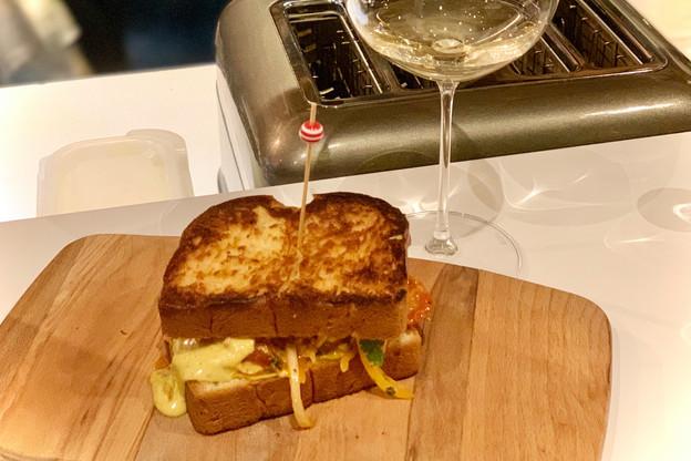 Du king crab, de la mayonnaise à l'oursin et beaucoup d'amour: n'en dites pas plus, on file au Pas Sage! (Photo: Maison Moderne)