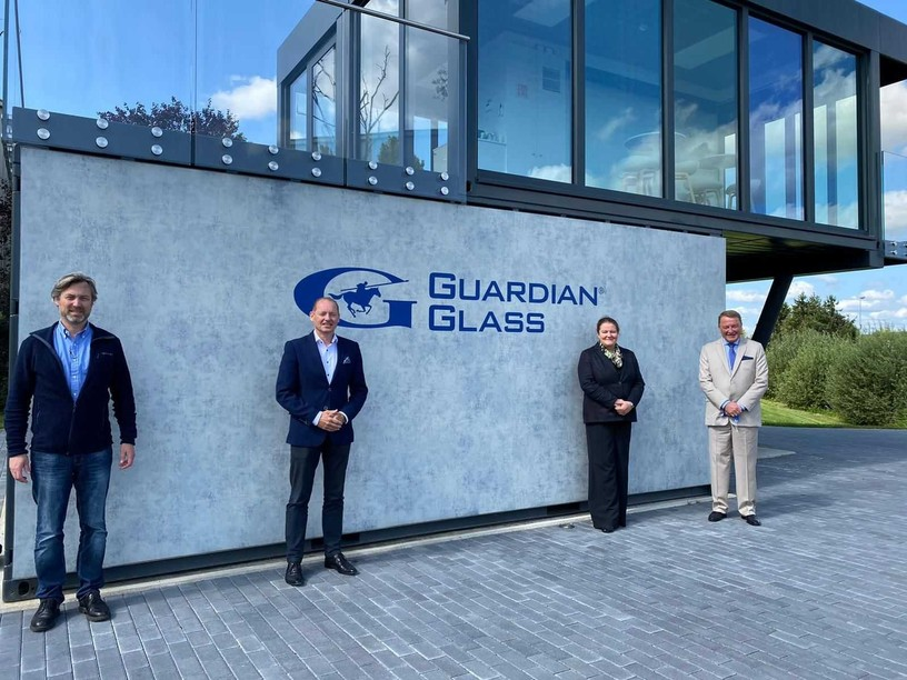 Fleur Thomas inquired about Guardian Glass's investment in the UK, its production in Luxembourg and its commitments to the environment in view of COP26 Photo: British Embassy Luxembourg
