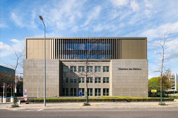 La Chambre des métiers dispose désormais d'une extension sur son toit. (Photo: JulienSwol)
