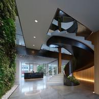 Un majestueux escalier ouvert se déploie dans le hall d'entrée. ((Illustration: Panoptikon))