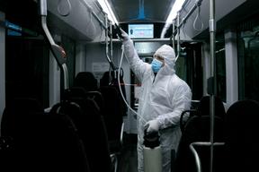 Bus, trains et tram sont désinfectés chaque jour. ((Photo: Matic Zorman / Maison Moderne Publishing SA))
